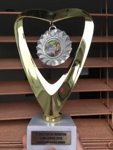 Pokal za najštevilčnejšo ekipo. Bravo mi !